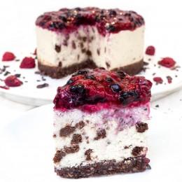 Йогурт торта с бисквитки и горски плодове 8 / 12 парчета, Сладкарски цех Зоя,  8 бр,  12 бр