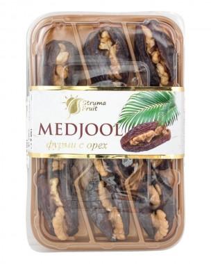 Свежи фурми Medjool с орехи
